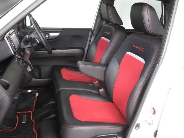 ◆フロントベンチシート◆ フロントシートは、ベンチシートタイプ!シート幅があり、ゆったり座れて長距離ドライブも快適です!