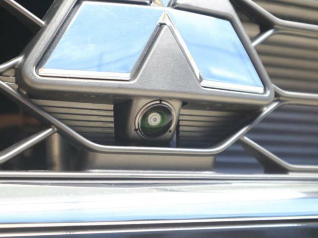 全周囲カメラ用フロントカメラ:駐車時に、死角が見えるので安心ですね。