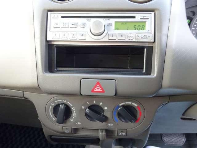 CDもついています(#^.^#)エアコンも効きますので快適にお乗りいただけると思います★
