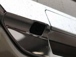 バックカメラ搭載しています。ナビゲーション、ディスプレイオーディオなどを装着する場合には連動させることも可能です。