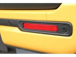 後ろ側にも衝突被害軽減ブレーキ搭載。超音波センサーが障害物を検知しアクセルペダルのうっかり踏み間違い防止に貢献してくれます♪