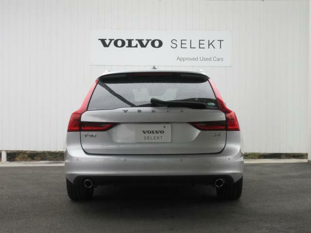 SELEKTとは、ボルボの認定中古車で、176項目の点検整備を行い、お客様へお届けします。