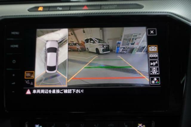 付いてて嬉しいバックカメラの映像はナビ画面で確認することができますので、後方の視界も安心です