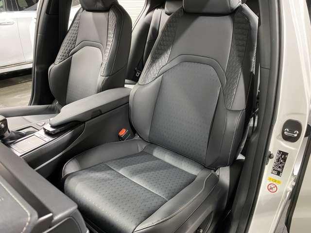 大変便利なシートヒーター、ステアリングヒーター、シートポジションメモリー機能搭載♪助手席シートもバッチリの状態です!