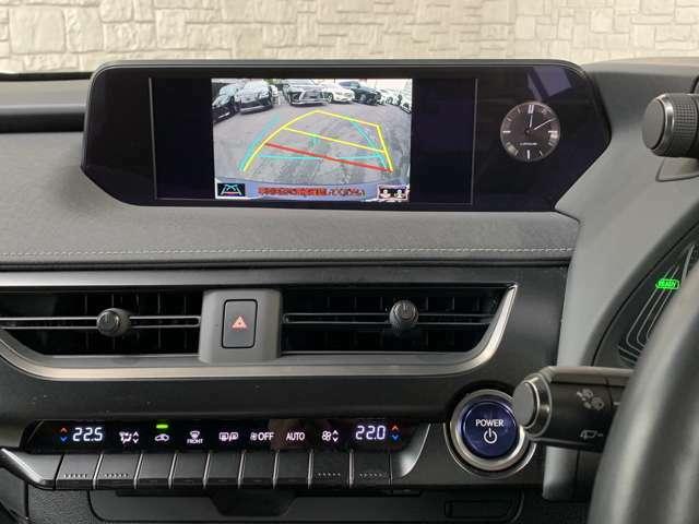 純正大型ワイドマルチナビ搭載♪バックビューカメラモニターも搭載♪フルセグTV、Blu-ray再生可能、Bluetoothの接続も可能!ビルトインETC2.0、ステアリングスイッチと連動済み!