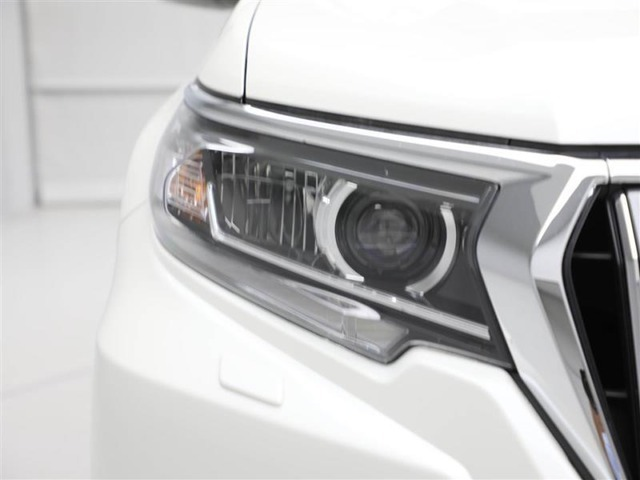 【トヨタセーフティセンスC】衝突回避被害軽減サポート、車線逸脱警報、オートマチックハイビームがセットになってます。