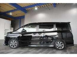 ワンオーナー・アルパイン11インチSDナビ・フルセグ・DVD・BT・ステリモ・バックモニター・リアフリップダウンモニター・トヨタセーフティセンス付です。