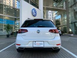 前後バンパーにコーナーセンサー装備、バックカメラも装備で駐車も安心です!