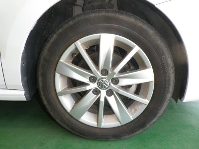 純正15インチアルミ!タイヤサイズは185/60R15です