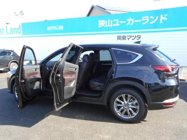 後席ドアの開度は80度狭い駐車場でもスムーズな乗り降りができます。