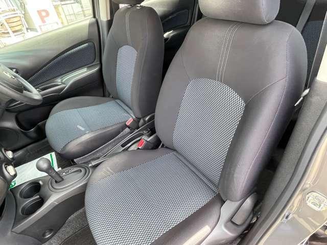 助手席のシートの写真になります。運転席よりは仕様の頻度は少ないので、個人差はありますが、状態は良いですよ!是非、お客様の目で確認してみてください!