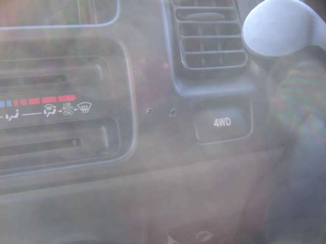 4WD車です!
