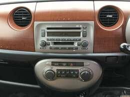 MOMOステアリング 純正アルミホイール CDオーディオ リモコンキー スペアキー1本 フォグライト 電動格納ミラー ヘッドライトレベライザー フォグライト オートエアコン フロアマット