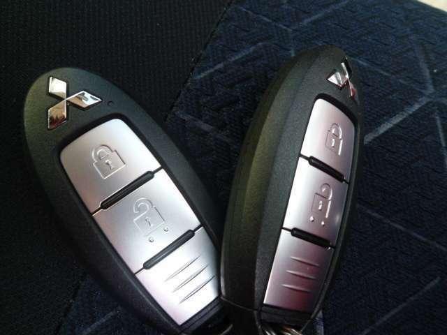 スマートキーなのでキーを取り出さなくても解錠・エンジン始動停止ができます