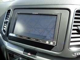 使い勝手の良いパイオニアナビ製ナビゲーションシステムがインストールされています。フルセグTVです。