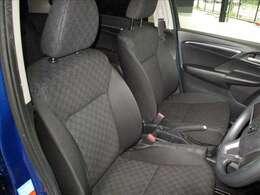 座り心地の良さとサポート性能に優れたフロントシートです。ぜひ、ご自身で体感してください