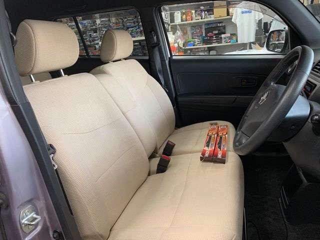 フロントシートも綺麗です!(コゲ穴1箇所有ます)