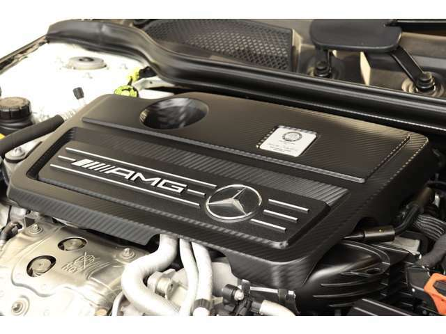 2,000cc 直4DOHCターボエンジンを装備!カタログ値360psを発生する心臓部とターボの過給が組み合わさり力強い走りを実現!7G-DCTによる加速も魅力的です!