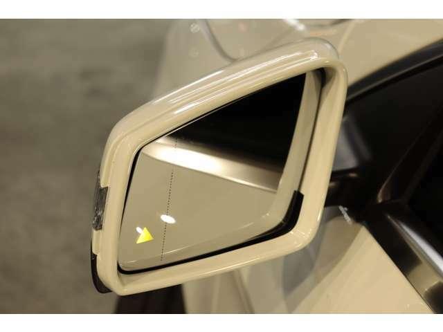リアバンパーに搭載されたセンサーが死角に入った車輌を検知しドアミラーに警告を促すブラインドスポットを搭載!PRE-SAFEなど最先端の安全支援装置が充実したレーダーセーフティパッケージです!!