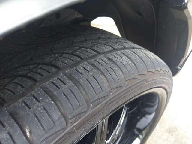 タイヤもまだまだ山あります。