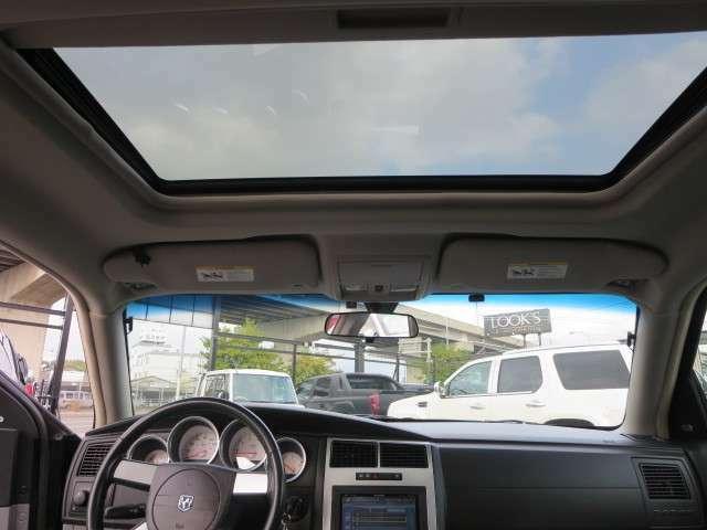 ご購入後の快適な可カーライフをサポートさせていただきます。アメ車はもとより欧州車、国産・軽自動車まで幅広く作業をお受けしております。また、外車のメンテナンスが初めての方にも安心です。