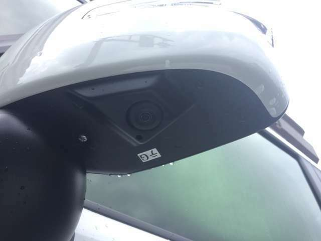 車を駐車するときに車の後ろや横が見えなくて不安を抱えてはいませんか?そんなあなたにおすすめな全方位カメラが付いております!駐車はもちろん狭い道に入り込んでしまったときにもあなたの運転を助けます!!
