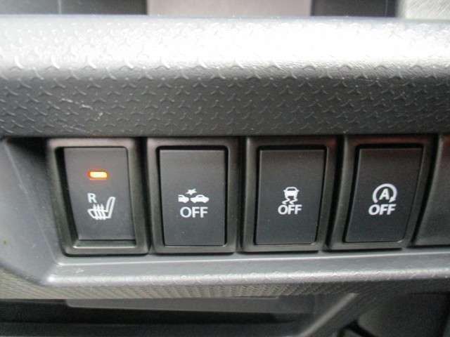 アイドリングストップ機能 横滑り防止装置 衝突軽減ブレーキ等、安全装置も充実♪
