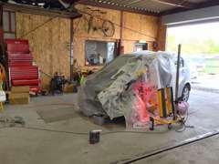 豊富な経験と高い技術で、各メーカーのお車の整備、修理を承っております。
