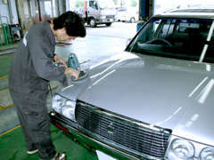 納車前、外装はバフ磨き内装クリーニングにもこだわりをもって実施しております。