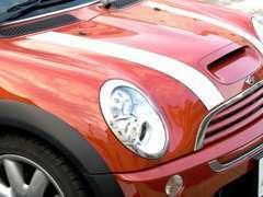 当店では車の修理や整備はもちろん、内装やオーディオまでも元通り。各種自動車保険にも対応しております。