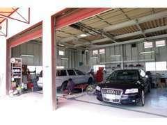 車検・メンテナンス・事故修理、そしてナビ・ローダウンなど各種カスタマイズ。最新テスターも完備!