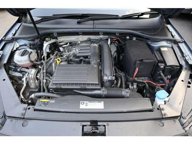 エンジンは、MQB設計の新世代ユニット1.4L TSIエンジンを搭載。アルミクランクケースを採用して重量を削減。出力、トルクも従来型より28馬力、50Nm向上して150馬力、250Nmを発揮!(カタログ値)