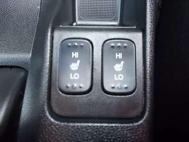 低価格から高級車まで幅広い車種を取り扱っております。お気軽にお問い合わせください。