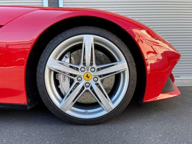 2013y F12ベルリネッタ コーンズ物 クーデリアエンブレム レッドキャリパー 20インチスポーツホイール ツートンレザーインテリア リアビューカメラ マフラーバルブ切替スイッチ付き