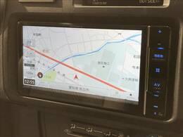 カロッツェリアSDナビを装備でロングドライブも快適です。フルセグTV視聴可能!