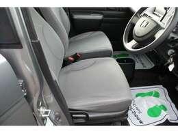 購入後半年または3000キロ走行時の無料点検と無料オイル取替えをより快適に乗っていただくため国産車については実施しております。