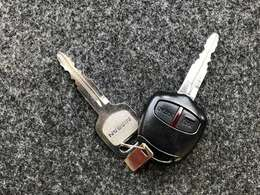 【キーレス】離れた場所から鍵を閉めたか忘れてしまった!そんな時もリモコンボタンを押すだけで施錠できます!