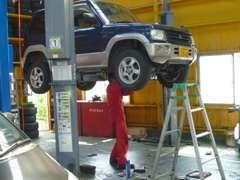土曜 日曜日関係なく営業しています。中部運輸局指定工場を店舗に併設☆お客様のお車をより安心にカーライフをトータルサポート