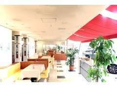 ショールームに併設したプラネットカフェ!小さなお子さまが遊べる「キッズルーム」もご用意しております。