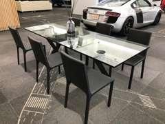 おしゃれなテーブル、チェアーで最高な空間を提供いたします。