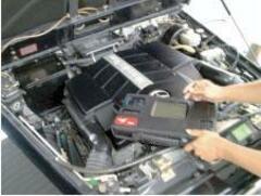 各メーカー対応の故障診断テスターを導入しております。