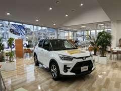 新型車いろいろ展示中☆中古車だけでなく、新車も販売しております☆福岡県最北端のトヨタディーラーです☆