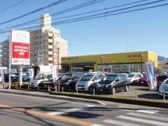 トヨタディーラーの販売店です。軽自動車や他メーカーも展示中♪