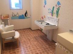 自慢の授乳室です。小さなお子様連れのお客様でもご安心ください。ママに優しい店舗ですよ~^^♪