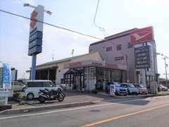 (有)梶田モータース(本社・サービス工場)になります。ダイハツ・スズキ正規代理店!新車の購入もご相談ください!
