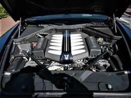 V型12気筒48バルブ エンジン  6591cc
