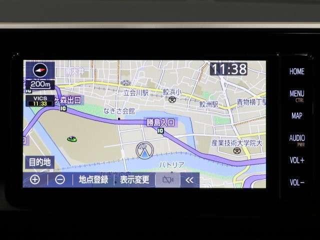タッチパネル式で操作も簡単、キレイな画面で見やすい純正SDナビ!何処へ行くのも迷子知らずです。