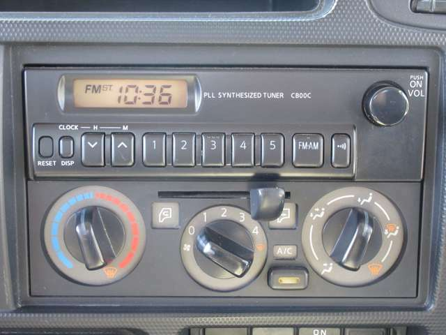 AM/FMラジオ聴けます♪マニュアルエアコン☆