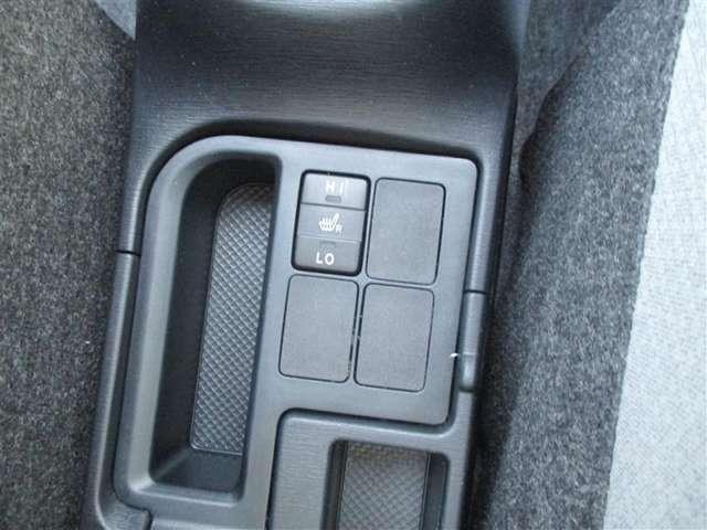 運転席にシ-トヒ-タ-ついてます☆寒い日も快適です!