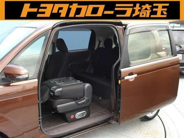開口部が広く大きいので、前にも後ろにも乗り込みやすいく、荷物を載せるときも便利です!